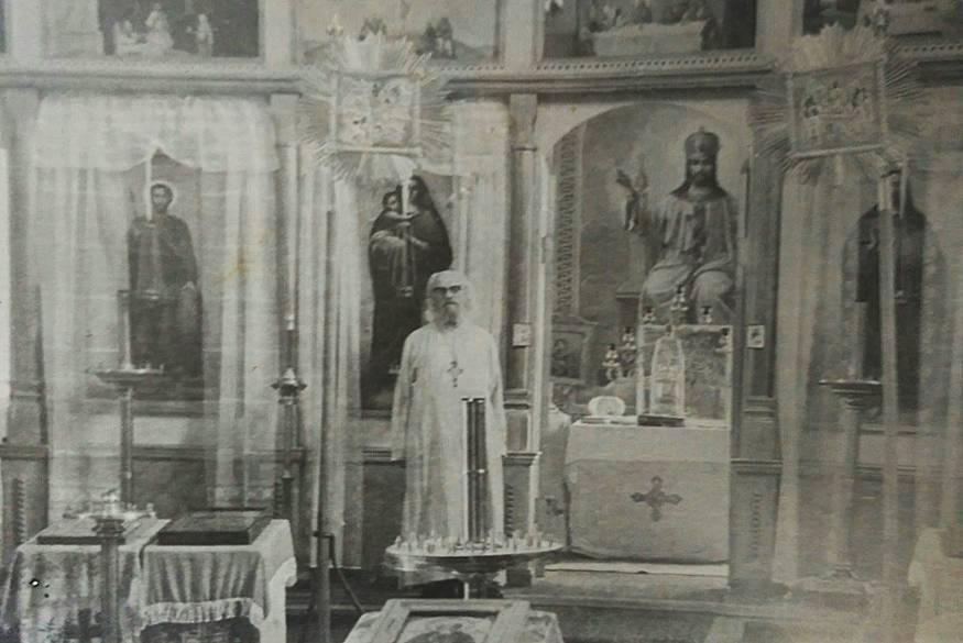 Протоиерей Николай в храме с. Путятино